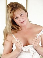 Alluring mature lady shows her most intimate parts